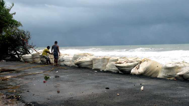 #CycloneTaukte