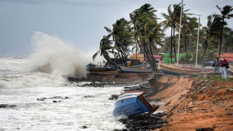 चक्रवाती तूफान को लेकर पश्चिम बंगाल एवं ओडिशा में हाई अलर्ट