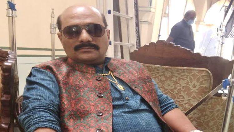पटना के आशिक हुसैन कैसे पहुंचे 'महारानी' के दरबार में