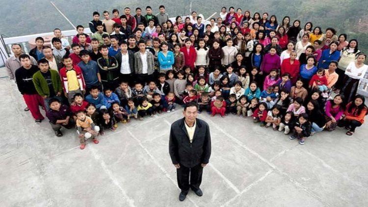 38 पत्नियां और 89 बच्चेः दुनिया के 'सबसे बड़े परिवार' के मुखिया का निधन