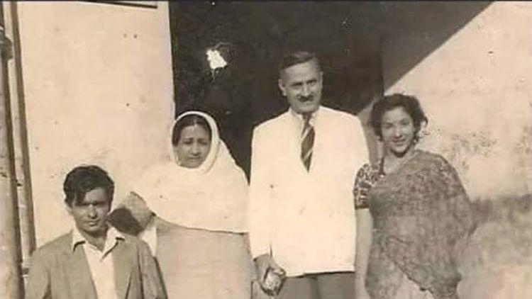नरगिस के साथ दिलीप कुमार की पुरानी तस्वीर को फैंस ने बताया मधुबाला