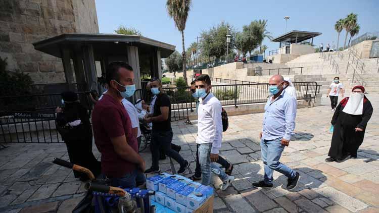 इजराइलः अब घर के अंदर फेस मास्क पहनना अनिवार्य नहीं