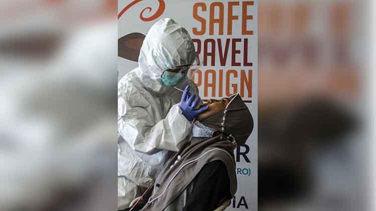 इंडोनेशिया में कोरोना से 949 स्वास्थ्यकर्मियों की मौत