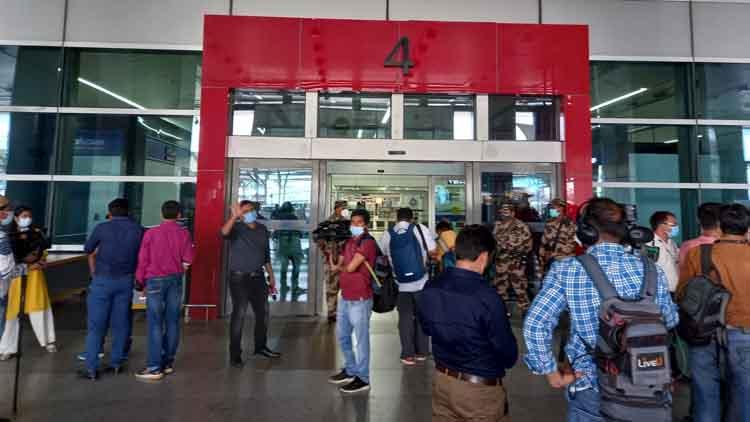 काबुल से तीन विमानों में भारतीय पहुंचे आईजीआई एयरपोर्ट पहुंचे