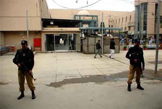 पाकिस्तानः सेना ने तालिबान कमांडर मार गिराया