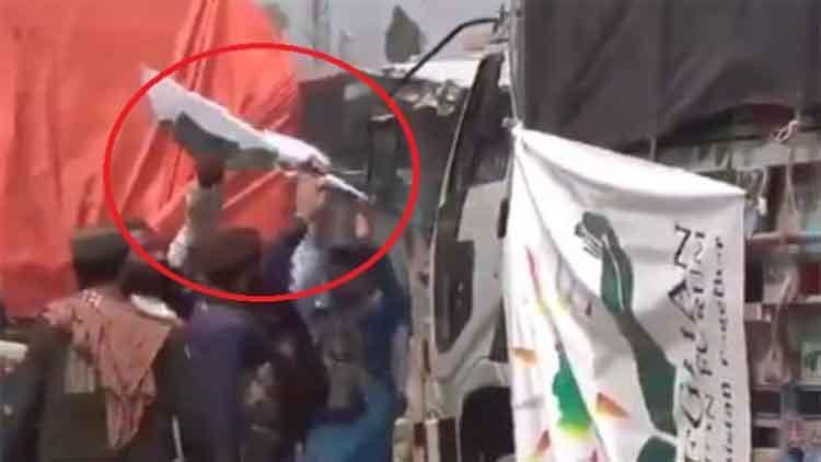 तालिबान ने पाक झंडा हटाने वाले चार गार्डों किया गिरफ्तार