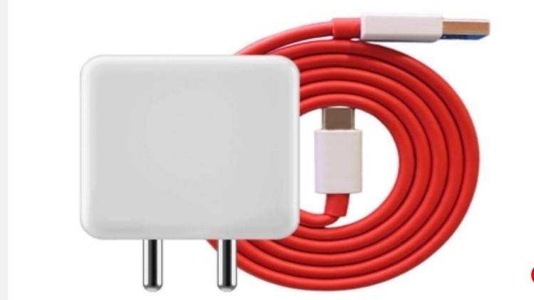 यूरोपीय संघ की योजना, सभी स्मार्टफोन के लिए अनिवार्य हो सामान्य चार्जर