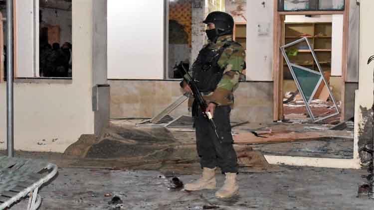 पाकिस्तान में विस्फोट से 4 सुरक्षाकर्मी की मौत