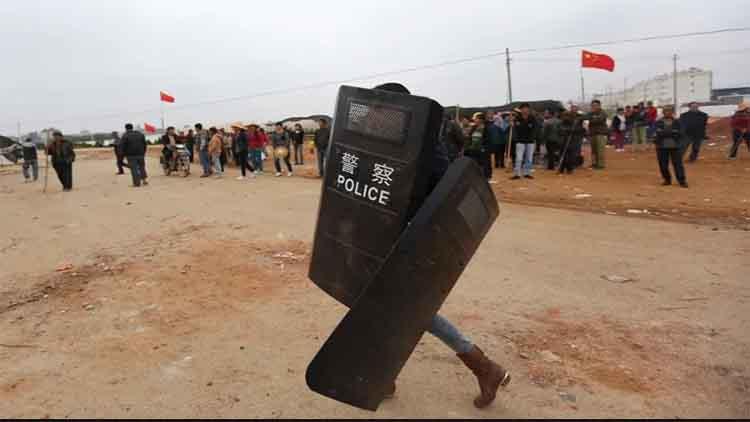 चीन में जनाक्रोशः प्रवासी श्रमिकों ने झेजियांग में किया विरोध प्रदर्शन