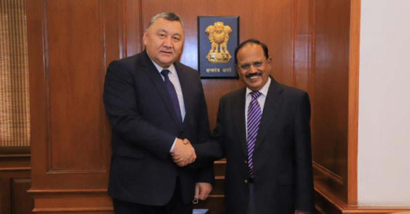 किर्गिज सुरक्षा सचिव मरात इमानकुलोव ने एनएसए अजीत डोभाल से मुलाकात की।