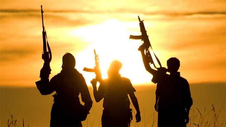 इराक में आईएस के हमले में 10 की मौत, 12 घायल