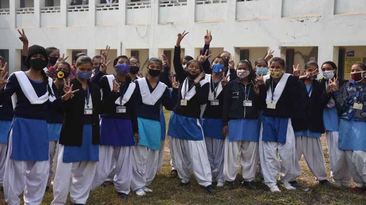 दिल्ली, हरियाणा, बिहार सहित एक दर्जन राज्यों में स्कूल-कॉलेज बंद