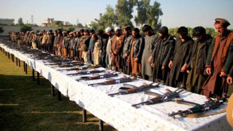 अफगानिस्तान में 25 आतंकियों ने समर्पण किया