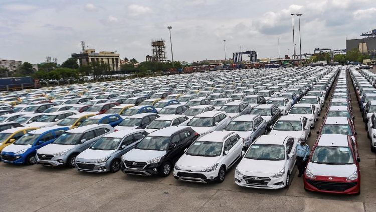 मार्च  में पैसेंजर वाहनों की बिक्री बढ़ी