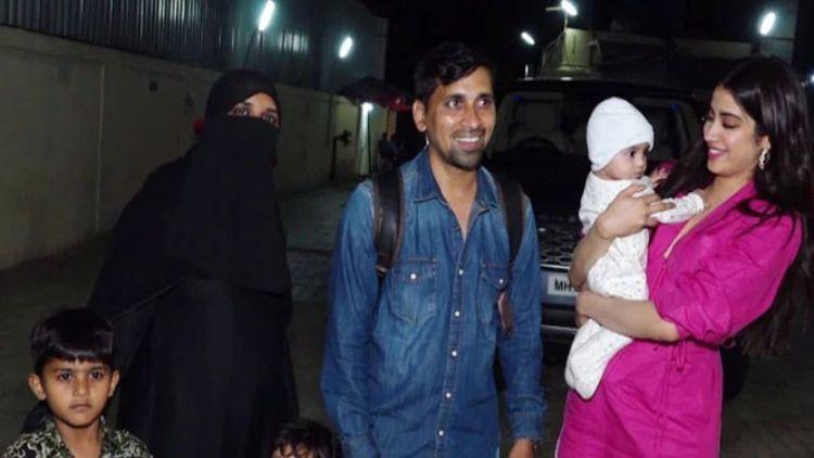 अभिनेत्री जान्हवी कपूर का मुस्लिम परिवार के साथ वीडियो वायरल