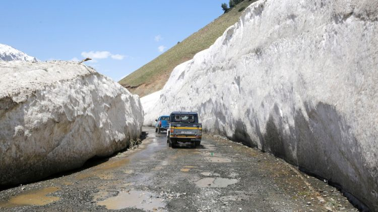 लेह-श्रीनगर राजमार्ग रविवार से खुलने की उम्मीद बढ़ी