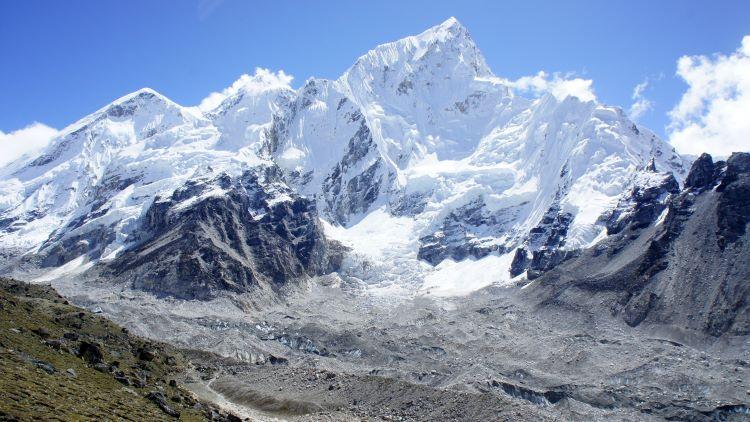 माउंट एवरेस्ट चढ़ने का नकली प्रमाण पत्र दिखाया तो नेपाल ने 2 भारतीय पर्वतारोहियों पर लगाया 10 साल का प्रतिबंध